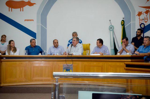 Ministro de Governo visita Aquidauana para discutir assistência ao município diante da enchente
