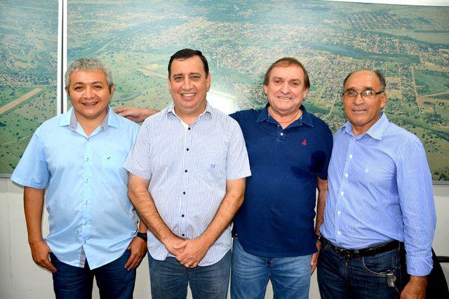 Em solenidade concorrida, prefeito empossa novo diretor da Fundação de Esportes de Aquidauana