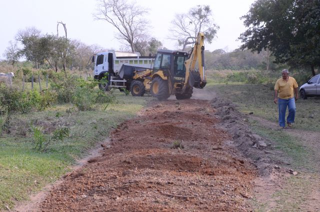 Prefeitura restaura estradas vicinais da região do Taboco